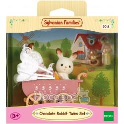 """Игровой набор Sylvanian Families """"Шоколадные крольчата-двойняшки в детской коляске"""" 5018"""