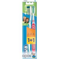 Набор зубных щеток Oral-B 1+1 3-Эффект Натуральная свежесть средней жесткости (3014260022808)