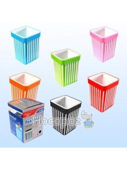 Стакан квадратный для ручек пластиковый 7,5*10,5см 561988