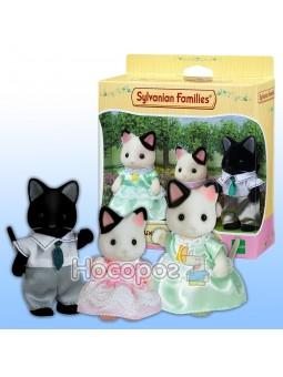 Игровой набор Семья Котов в смокинге 5306